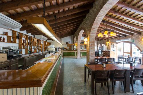 Bar na kempingu Villanova Park w Hiszpanii